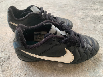 Sell: Kids Nike Soccer cleats (12c)