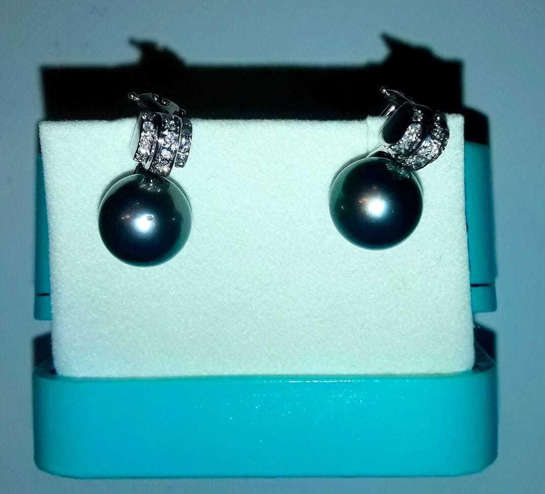 18kt White Gold Tahitian Pearl Earrings