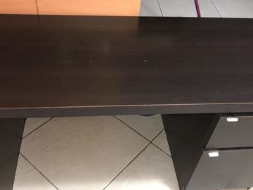 Sell: 2 Drawer Desk