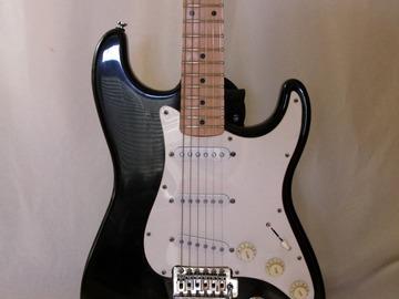 Rent : Fender MIM Strat