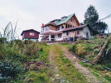 Hosting: The Maitri Retreat Darjeeling Gorgeous rustic private hideout