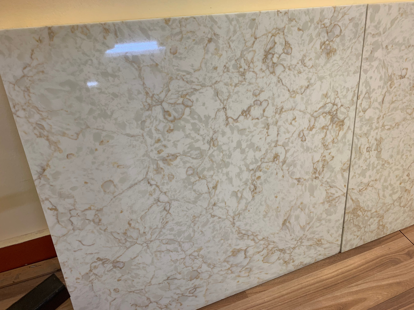 Flower Veins Quartz Countertop