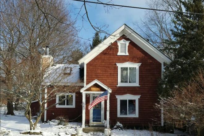 Chatham NY Cottage