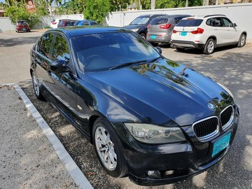 Sell: 2011 BMW 3 Series