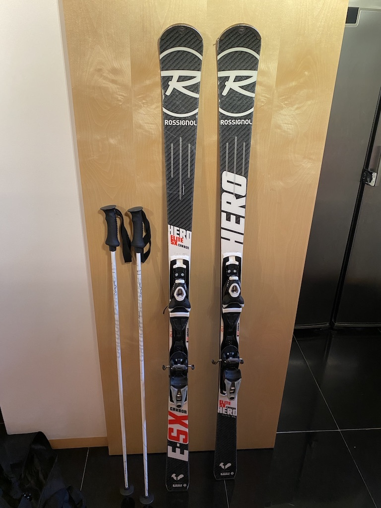 Rossignol Hero skis, poles and ski bag
