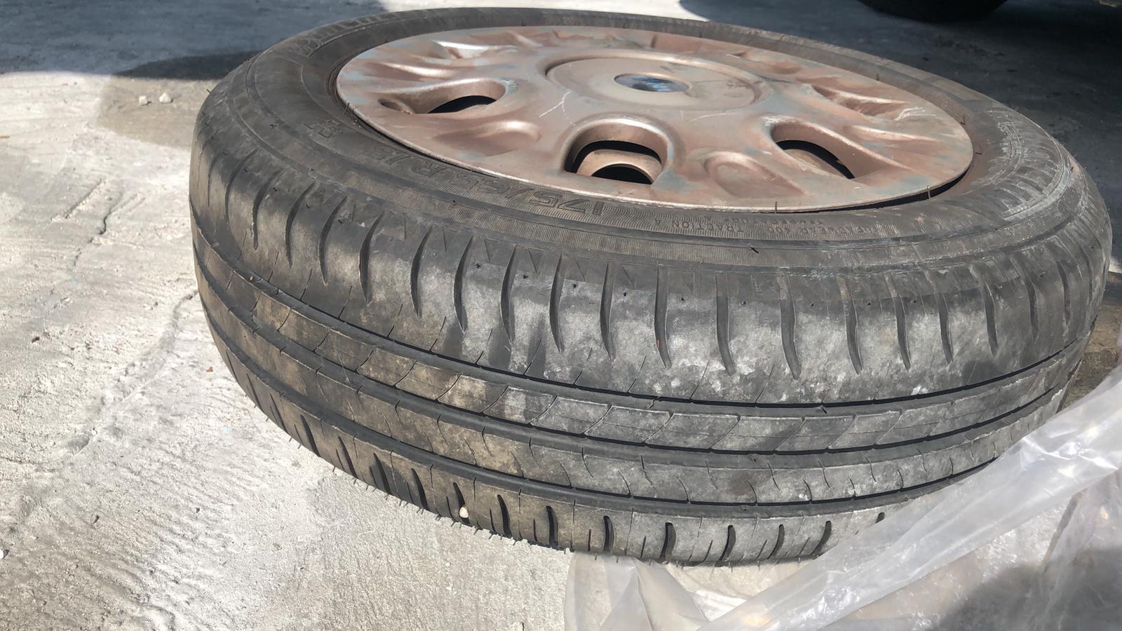 """15"""" Tires w/rims"""