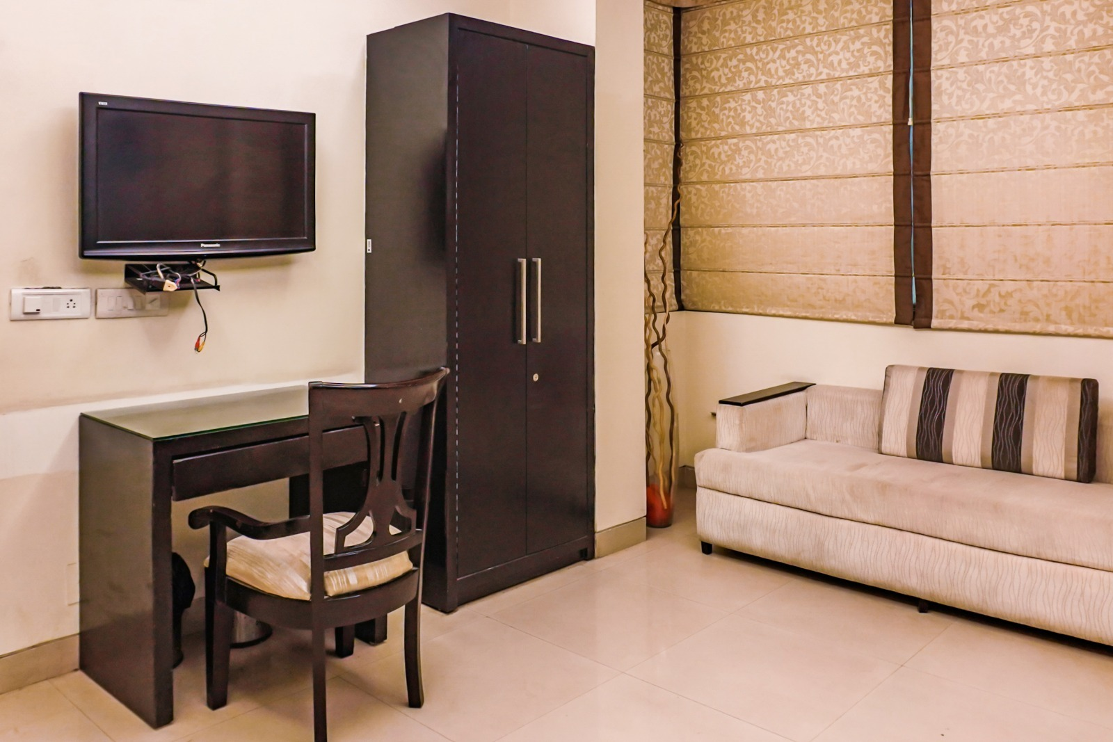 Ramiro Residency by Isthara - DLF Phase 3, Gurgaon