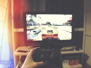Project without online payment: Create a website for a gaming platform