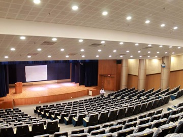 Project without online payment: I need someone to decorate my auditorium