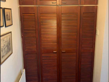 Project without online payment: Spraying 2 sets of wardrobe doors - louver doors
