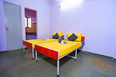 Renting out without online payment: OYO CAMPUS for Boys - Katwaria Sarai, Delhi