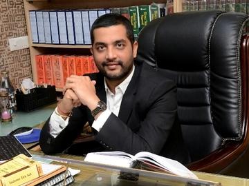 Lawyers: Advocate Kanwarjit Singh Pruthi