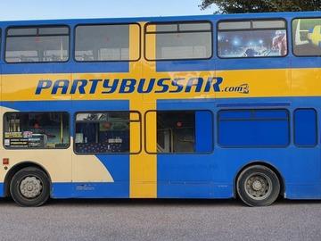 Tjänstebokningar: Rullande Sportbar SE - Partybuss