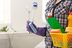 Empleada doméstica: Limpieza de casas, edificios, oficinas