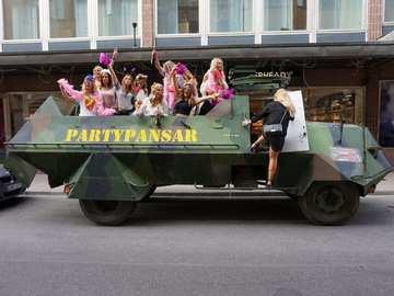 Tjänstebokningar: Partypansar