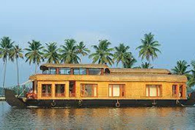 Renting out: Kuttanadan Houseboat Alleppey Kerala