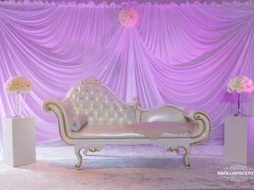 Övrig bokningstyper: Elegant Soffa Till Ert Bröllop