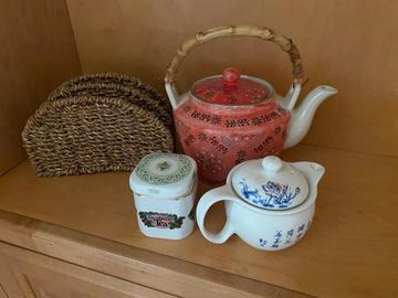 Sell: Teapot set