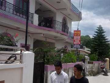 Renting out without online payment: Premier PG for Boys (1) - Clement Town, Dehradun