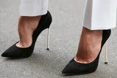 Selling: Women Black Stilettoes