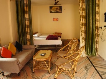 Renting out: Independent rooms - Harihar Niwas , RISHIKESH