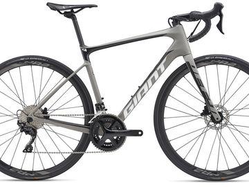 Affitto con pagamento online: GIANT DEFY ADV2 DISC MY19 - Noleggio road bike Lago di Garda
