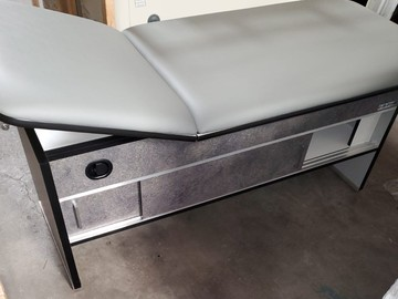 Sell: Medical Exam Table