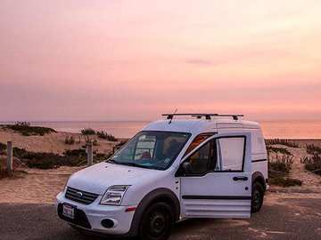 Renting out without online payment: Custom 2011 Ford Campervan