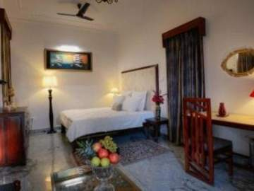Renting out: Fun Family that Loves the trees HOMESTAY IN NEAR AIRPORT - JAIPUR