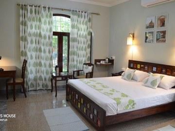 Renting out: Oasis House - Garden View Room , VAISHALI NAGAR - JAIPUR