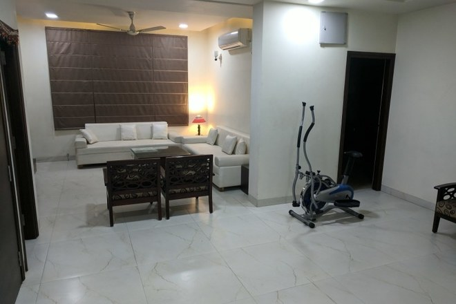 Renting out: Home stay with dental treatment HOMESTAY IN SHYAM NAGAR - JAIPUR