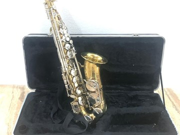 Sell: Alto Saxophone w/Case