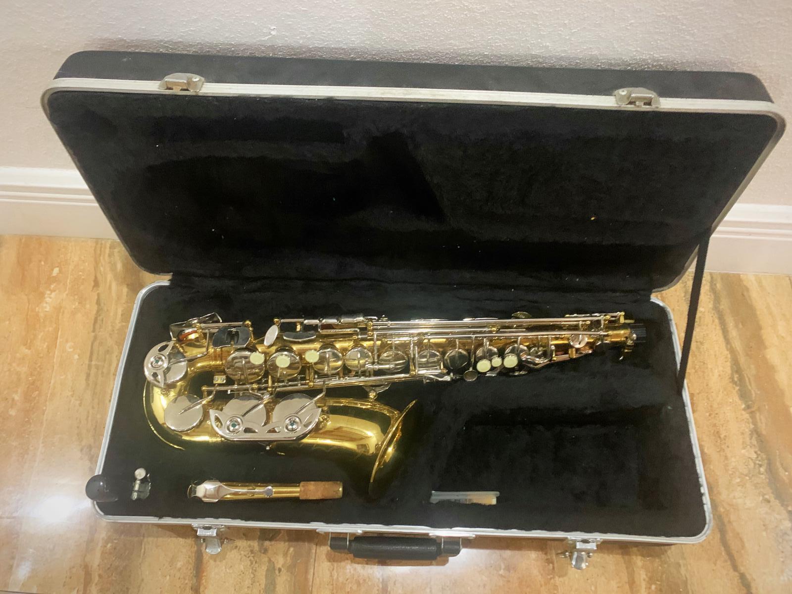Alto Saxophone w/Case