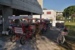 Affitto con pagamento online: Risciò (4/6 posti) - Noleggio Bici Rosignano