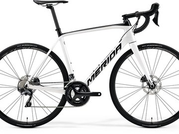 Renting out with online payment: MERIDA SCULTURA DISC 5000- Noleggio bici da corsa Canazei, Trento