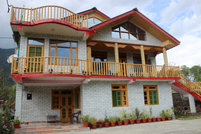 Renting out: Rangri Homestead HOMESTAY IN NAGAR - MANALI