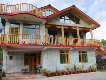 Renting out: Rangri Homestead HOMESTAY IN NAGAR - MANALI