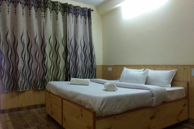 Renting out: Pleasant HOMESTAY IN MANALI- NAGGAR ROAD - MANALI , HP