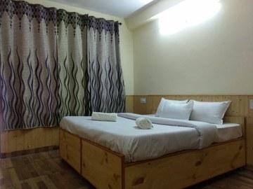 Renting out: Pleasant HOMESTAY IN MANALI- NAGGAR ROAD - MANALI , HP