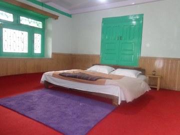 Renting out: HAMPTAN HOMESTAY IN SHURU,MANALI,HIMACHAL - KULLU , HP