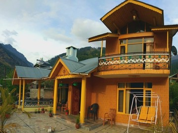 Renting out: Anjum Homestay and Cafe  in  PRINI - MANALI , HP