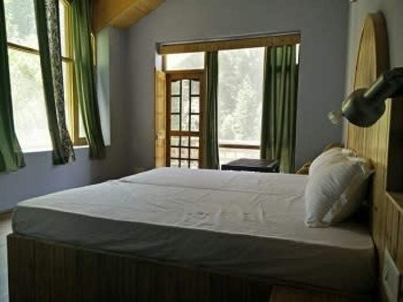 Relax by River side away from Crowd HOMESTAY IN JAGATSUKH ,MANALI