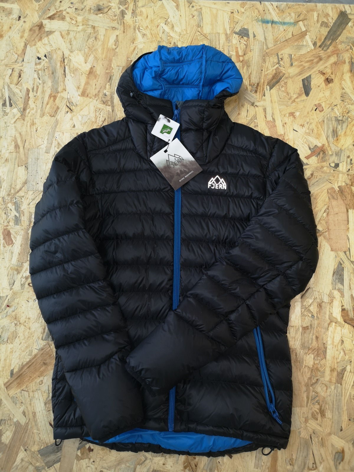 Fjern Down Jacket Black/Cobalt