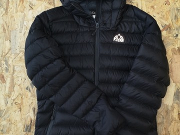 Selling: Fjern Down Jacket Black