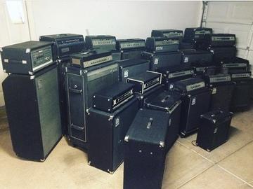 Rent : Ampeg amplifiers