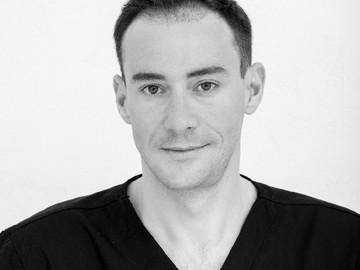 Consultation: Chirurgie Estetică