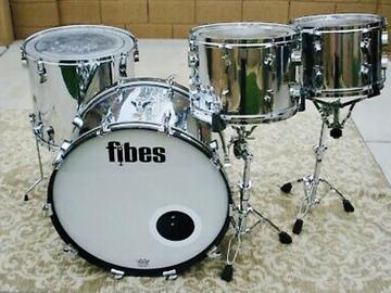 Rent : Fibes Chrome over Fiberglass 4pc Drum Set (Martin Era)