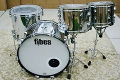 Rent : Fibes Chrome over Fiberglass 4pc Drum Set (Martin Era)