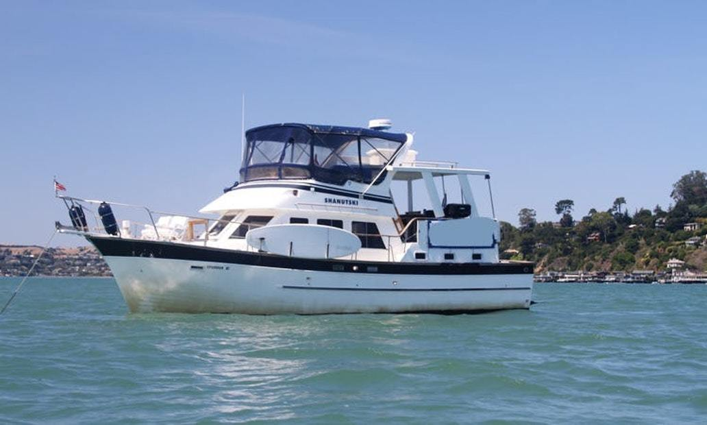 44ft Yacht charter in Sausalito