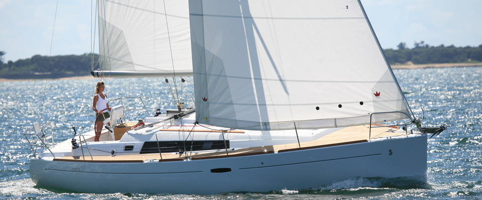 Ultra Luxurious Sailing Yacht - Up 6 Passengers